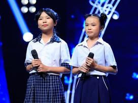 Cô bé bỏ học từ lớp 2 đi bán kẹo kéo hát 'Mẹ hiền của con' khiến Hòa Minzy xúc động nghẹn lời