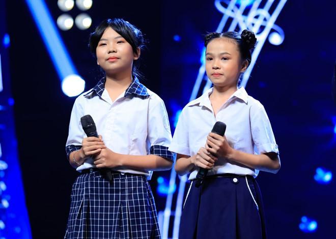 Cô bé bỏ học từ lớp 2 đi bán kẹo kéo hát Mẹ hiền của con khiến Hòa Minzy xúc động nghẹn lời-2