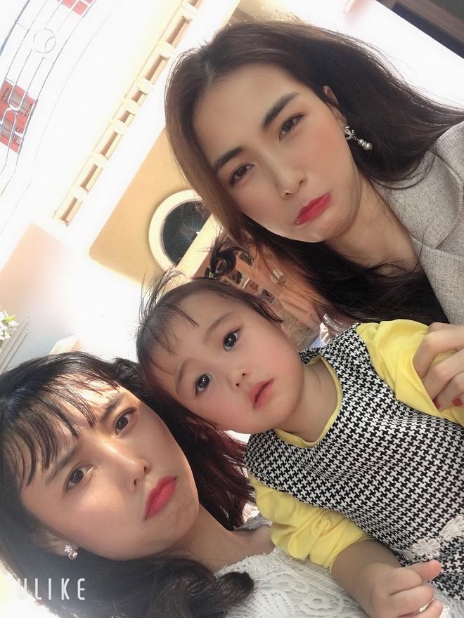 Hòa Minzy bị tẩy chay nhưng người bạn thân bỗng gây chú ý nhờ công khai ảnh thời trẩu tre cùng nữ ca sĩ-5