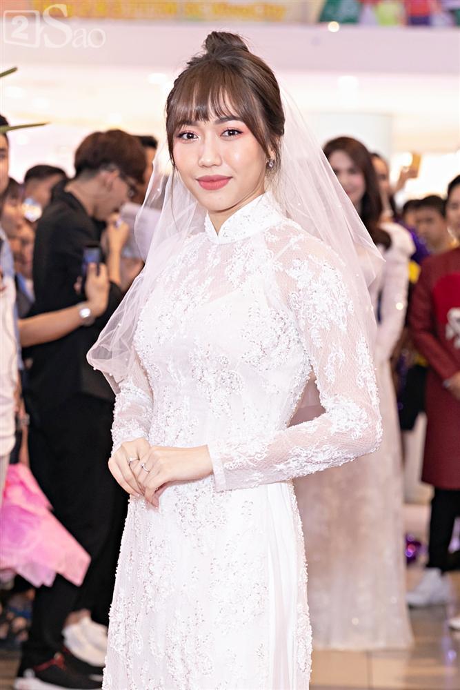 Cùng diện áo cưới, Ngọc Trinh và Diệu Nhi hóa thân thành cô dâu chẳng cần chú rể-2