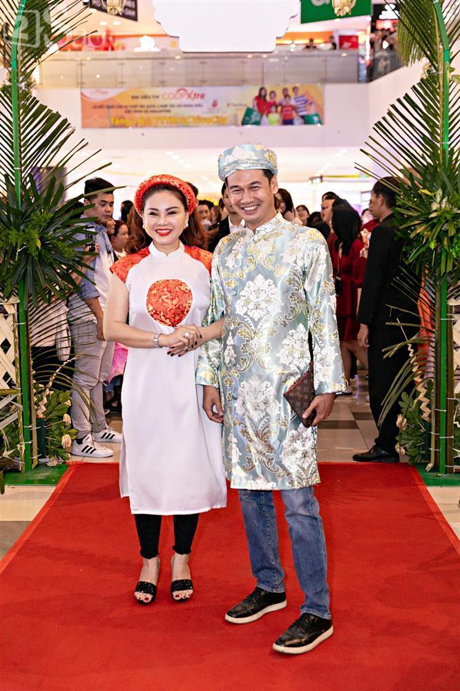 Cùng diện áo cưới, Ngọc Trinh và Diệu Nhi hóa thân thành cô dâu chẳng cần chú rể-5