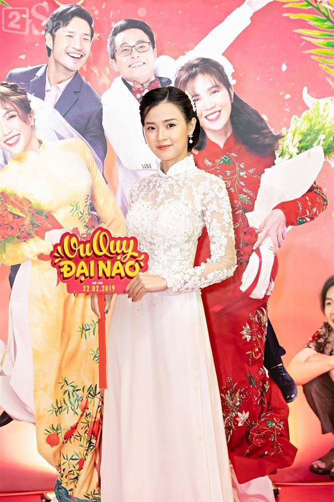 Cùng diện áo cưới, Ngọc Trinh và Diệu Nhi hóa thân thành cô dâu chẳng cần chú rể-11