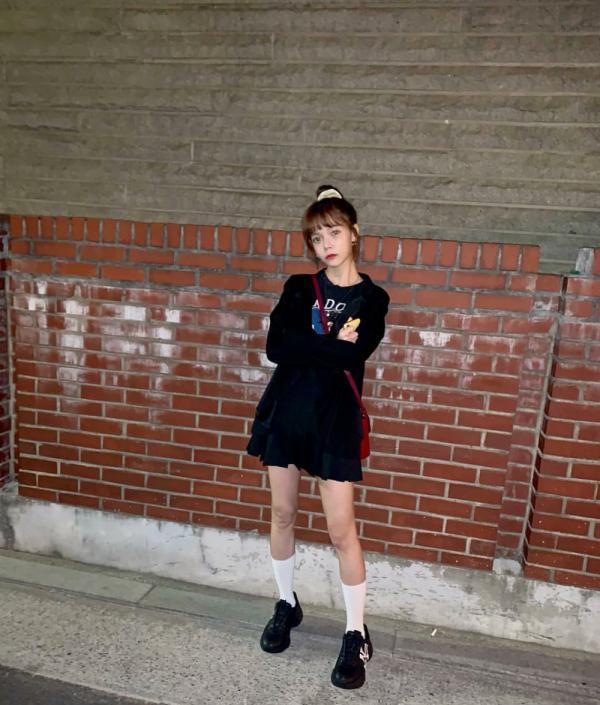 Xuất hiện với hình ảnh gầy gò và hốc hác khác lạ, thành viên AOA khiến fan náo loạn vì lo lắng cô đang tự bỏ đói bản thân-1
