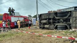 Ô tô khách gây tai nạn kinh hoàng ở Nha Trang, 35 người nhập viện cấp cứu