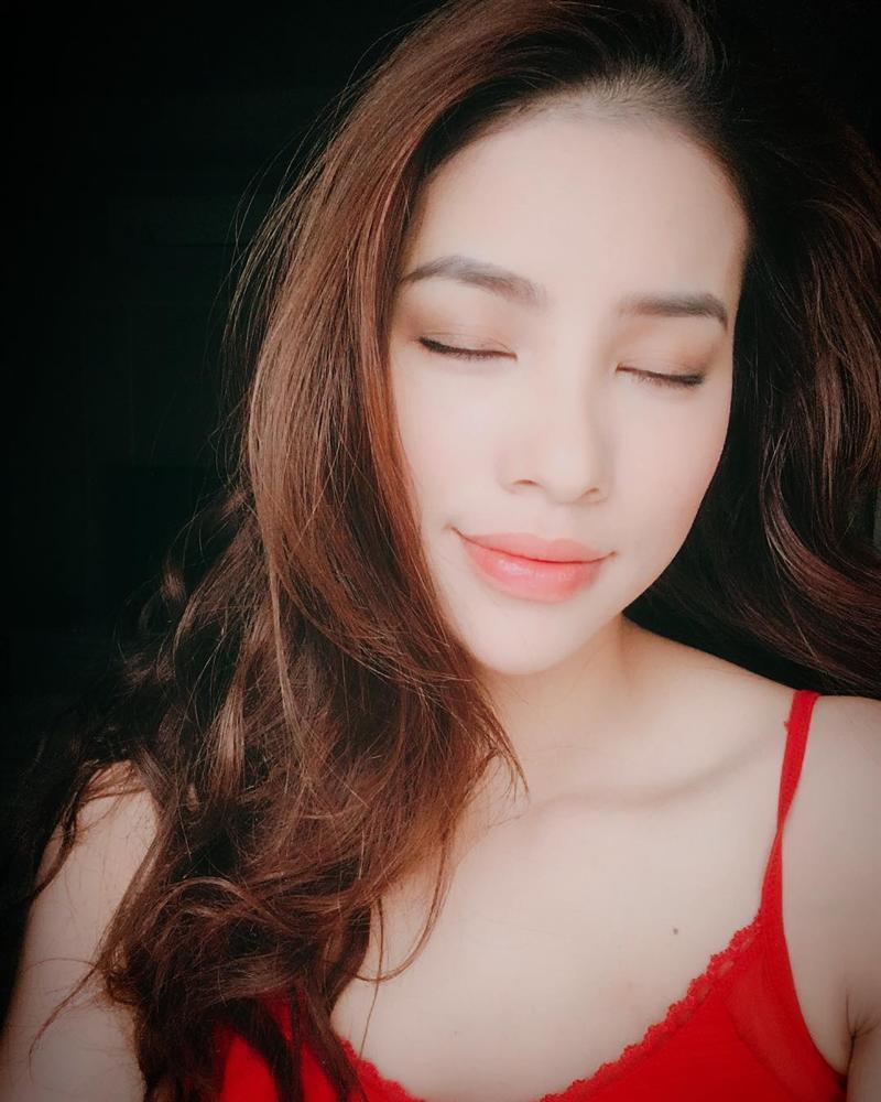 Hoa hậu Phạm Hương công khai đã đính hôn, vậy hôn phu của cô ấy là ai?-7