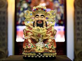 Ngày vía Thần Tài không nhất thiết phải mua vàng, chỉ cần sắm thứ này cũng đủ may mắn cả năm