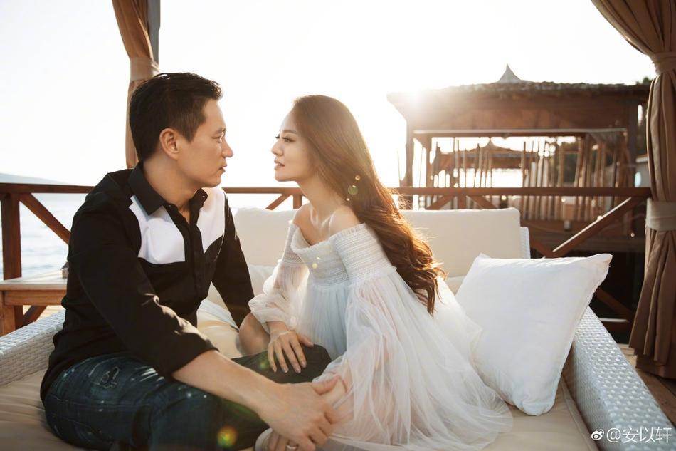 Valentine của sao Hoa ngữ: Ai cũng hạnh phúc bên người yêu, chỉ riêng Trương Bá Chi lại khác biệt-2