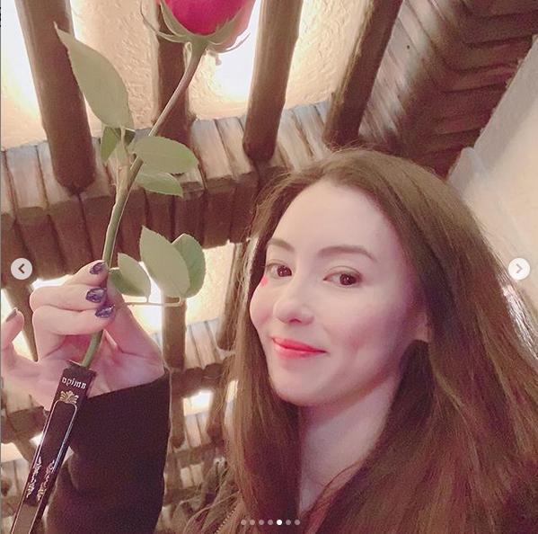 Valentine của sao Hoa ngữ: Ai cũng hạnh phúc bên người yêu, chỉ riêng Trương Bá Chi lại khác biệt-4