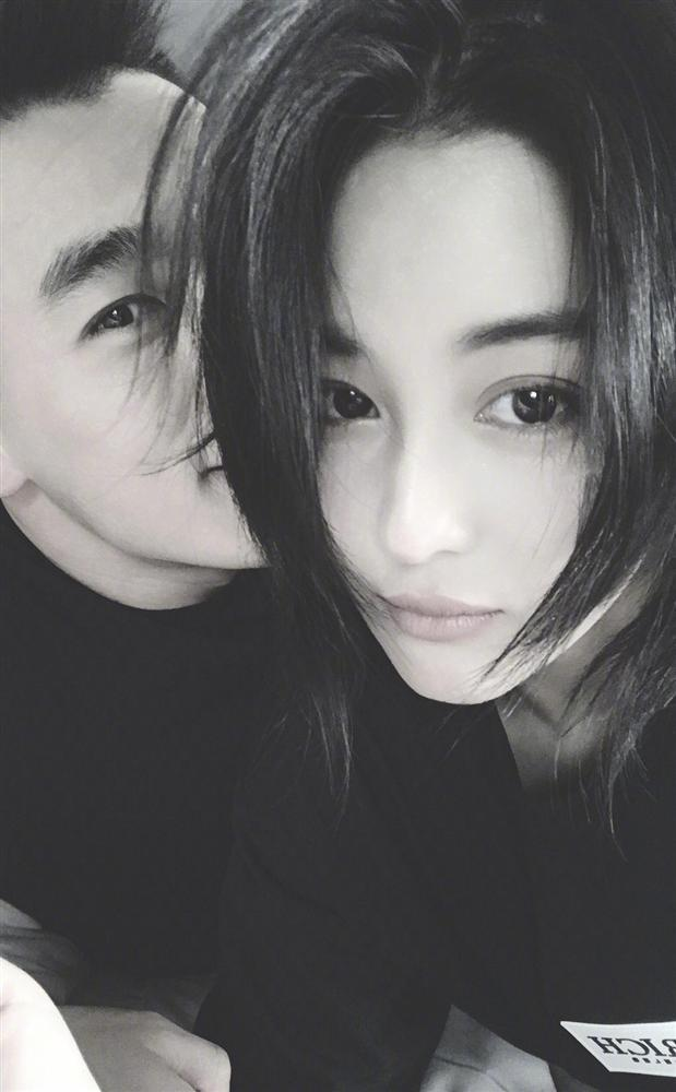 Valentine của sao Hoa ngữ: Ai cũng hạnh phúc bên người yêu, chỉ riêng Trương Bá Chi lại khác biệt-13