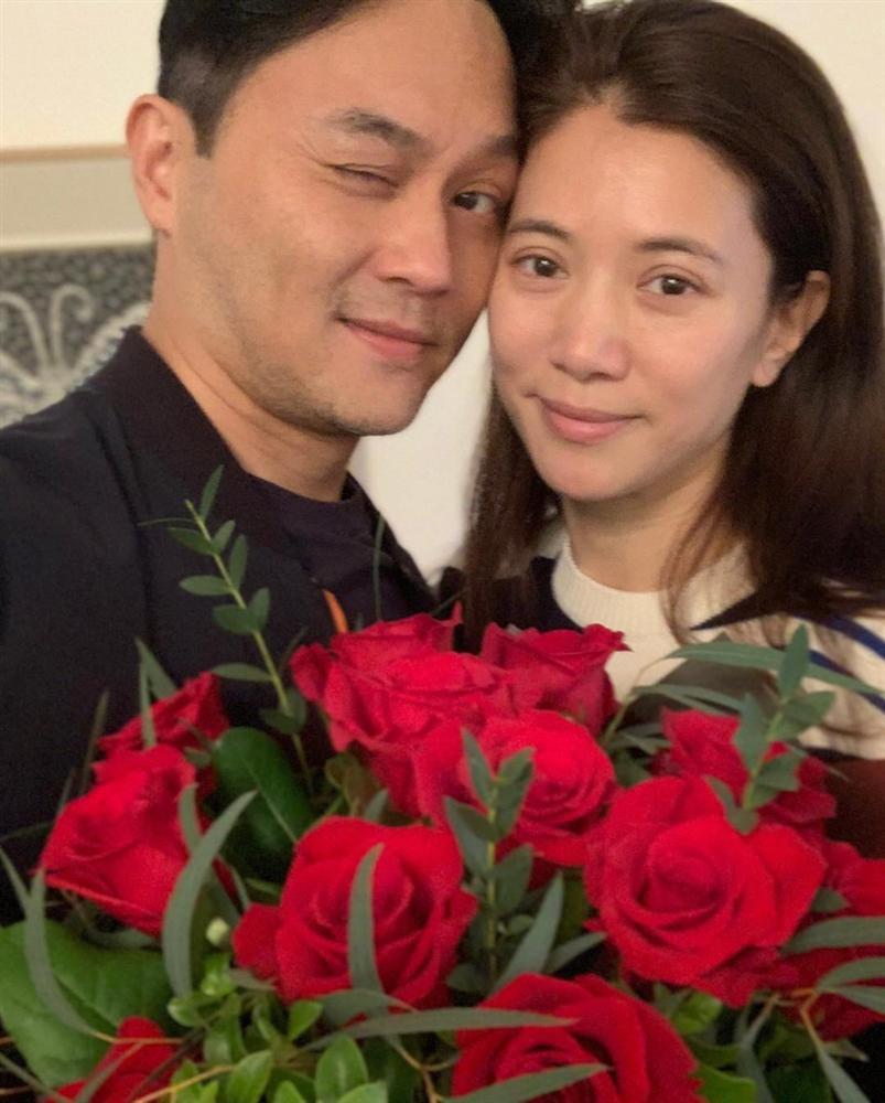 Valentine của sao Hoa ngữ: Ai cũng hạnh phúc bên người yêu, chỉ riêng Trương Bá Chi lại khác biệt-15