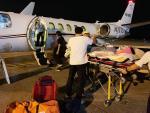 Điều chuyên cơ đưa cặp đôi bị tạt axit qua Thái Lan điều trị