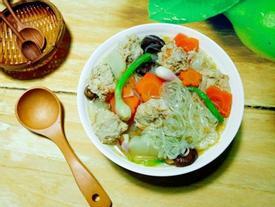 Miến nấu nước dừa ngọt thanh cho bữa sáng cuối tuần thảnh thơi