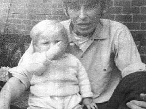 Bố đẻ sát hại con 10 tháng tuổi trong nhà tắm ở Điện Biên-3