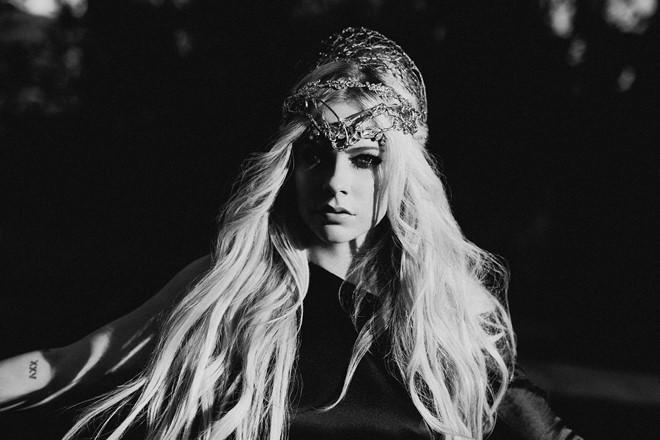 Avril Lavigne trải lòng về 5 năm chống chọi căn bệnh quái ác-1