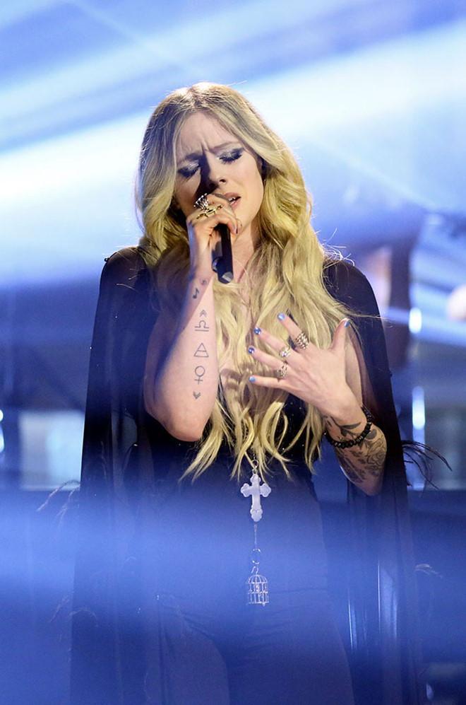 Avril Lavigne trải lòng về 5 năm chống chọi căn bệnh quái ác-2