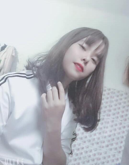Hai cô nàng khoe nhan sắc xinh như hot girl trong một bức ảnh nhưng sự thật về họ khiến nhiều người ngã ngửa-1