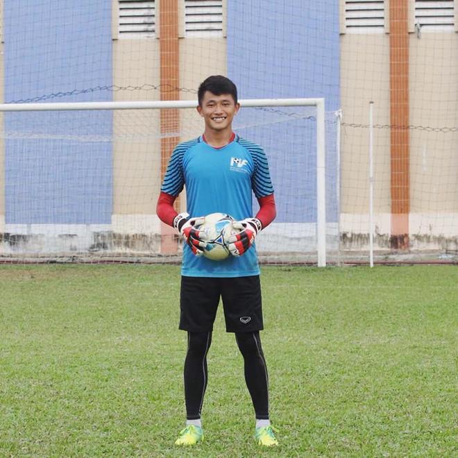 Thủ môn U22 Việt Nam có nụ cười duyên, từng là bạn trai Yến Xuân-3