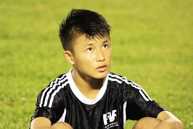 Thủ môn U22 Việt Nam có nụ cười duyên, từng là bạn trai Yến Xuân-4