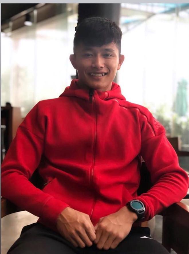 Thủ môn U22 Việt Nam có nụ cười duyên, từng là bạn trai Yến Xuân-5
