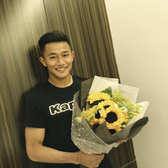 Thủ môn U22 Việt Nam có nụ cười duyên, từng là bạn trai Yến Xuân-6