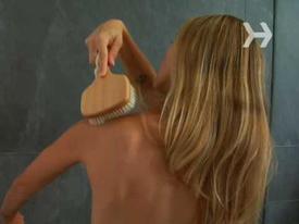 Chủ nhà trọ đặt camera quay lén nữ du khách trong phòng tắm