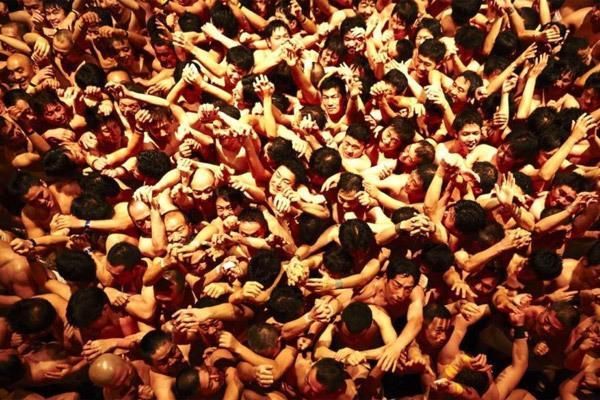 Hình ảnh lễ hội khỏa thân Nhật đông cả vạn người-3