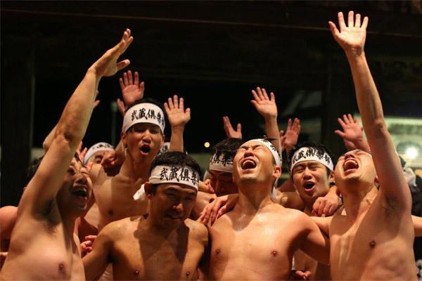 Hình ảnh lễ hội khỏa thân Nhật đông cả vạn người-4