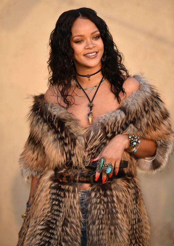 Ơn trời, thánh nữ No.1 Billboard sắp sửa trở lại sau khi để fan chờ ba năm!-2