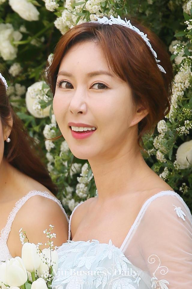 Yoona đáng yêu hết nấc, khoe dung nhan hack tuổi dù đã U30-4