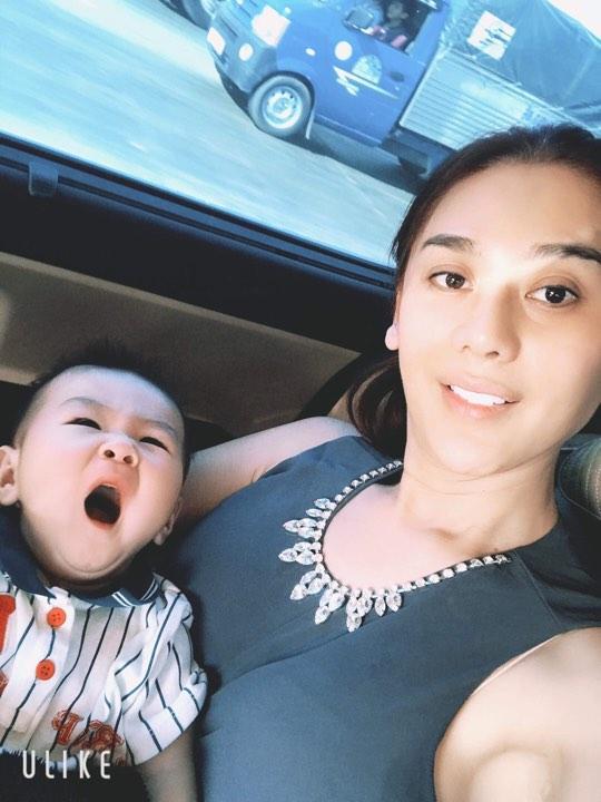 Dù sinh con trai không có liên quan máu mủ với chồng, Lâm Khánh Chi vẫn công khai gật gù: Giống bố-2