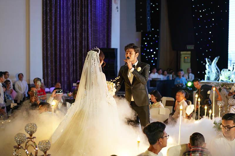 Anh Tài ngọt ngào hát tặng Ngọc Ánh Gạo nếp gạo tẻ trong tiệc cưới-4