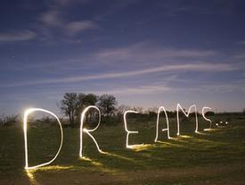 5 giấc mơ báo hiệu bạn sắp vỡ nợ phá sản, tiền bạc tiêu tan