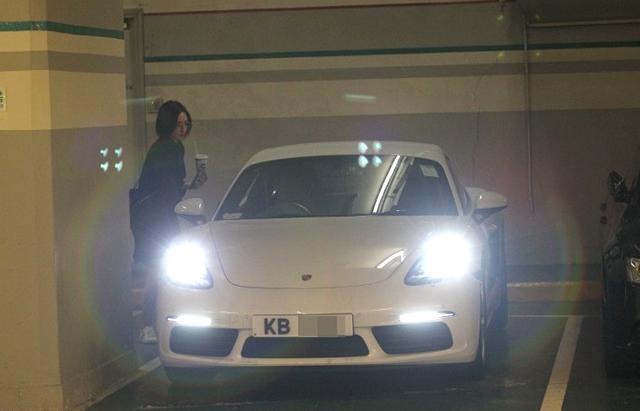 Mỹ nhân TVB kém tài bất ngờ được đại gia tặng xế hộp siêu sang-2