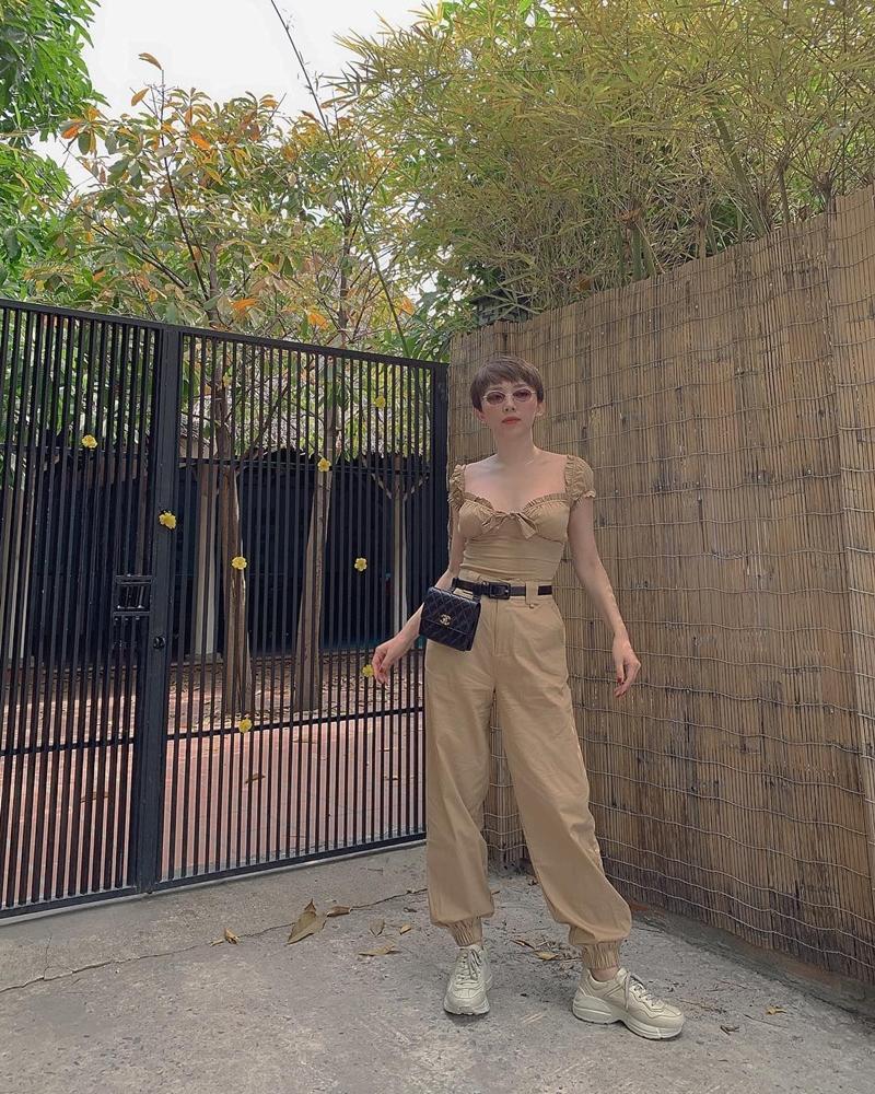 STREET STYLE SAO VIỆT: Tóc Tiên khoe body S-line với áo tắm - Tăng Thanh Hà lại kín mít như mafia áo đen-7