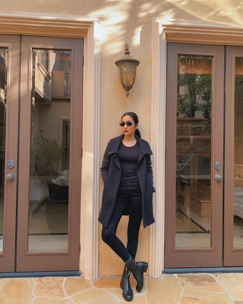 STREET STYLE SAO VIỆT: Tóc Tiên khoe body S-line với áo tắm - Tăng Thanh Hà lại kín mít như mafia áo đen-2