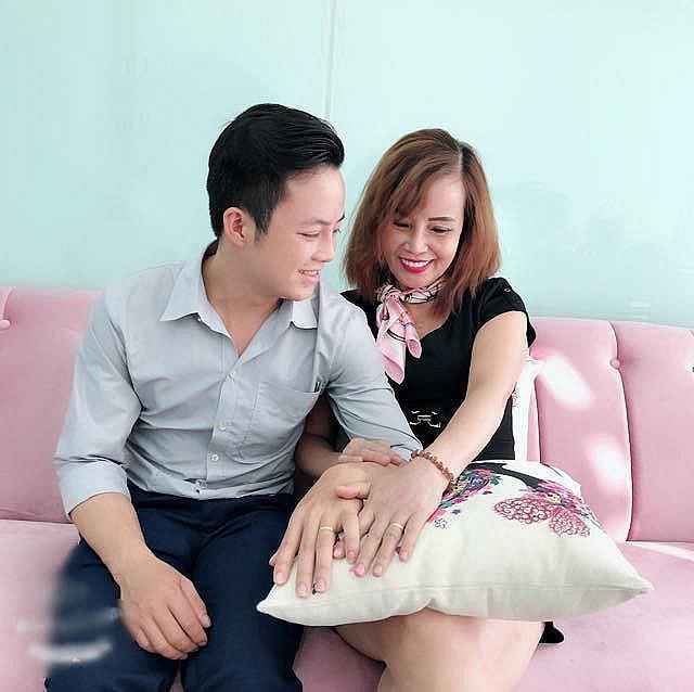 Cặp cô cháu Cao Bằng và 3 mối tình gây bão vì lệch nhau hơn 40 tuổi-4