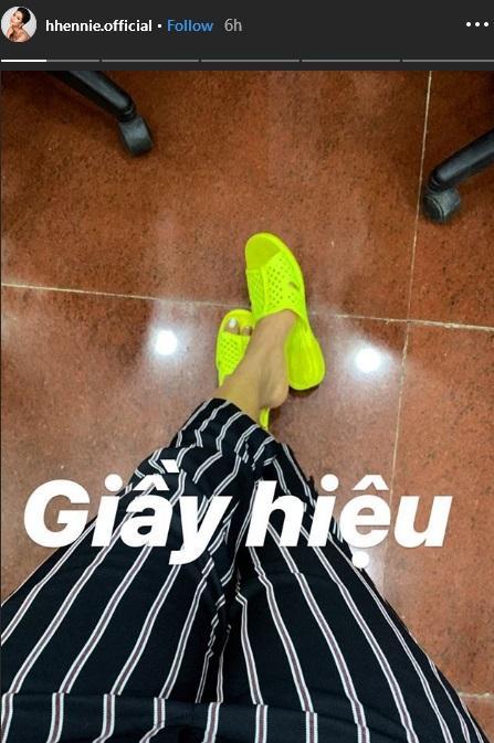 Sau tất cả, đây mới là món giầy hiệu mà Hoa hậu HHen Niê yêu nhất với giá chỉ 10.000 đồng-2