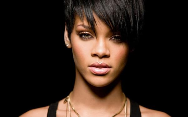 7 bản hit đình đám làm nên tên tuổi của ca sĩ Rihanna-1