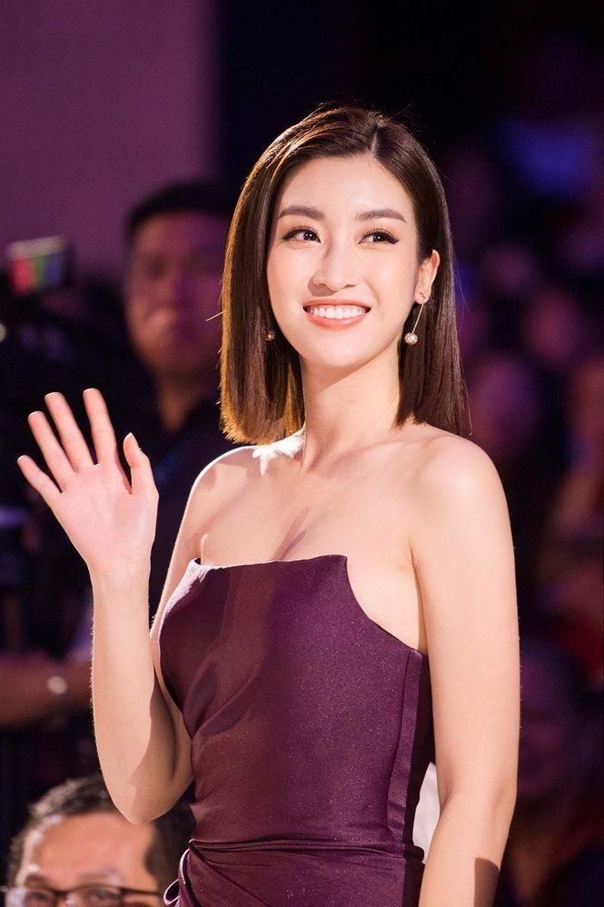 Đầu năm diện lại váy cũ của Hương Giang Idol, Đỗ Mỹ Linh nhường bước trước đàn chị vì chi tiết nhỏ xíu này-4