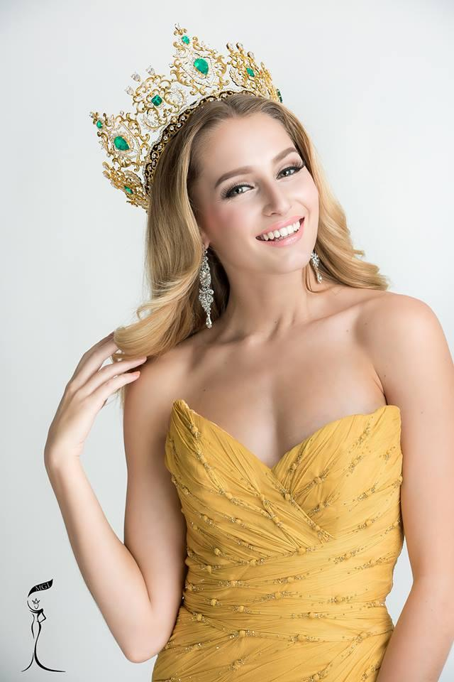 Tin được không khi lần đầu tiên trong cùng một cuộc thi sắc đẹp, cả Hoa hậu và kế Hoa hậu đều bị phế ngôi-12