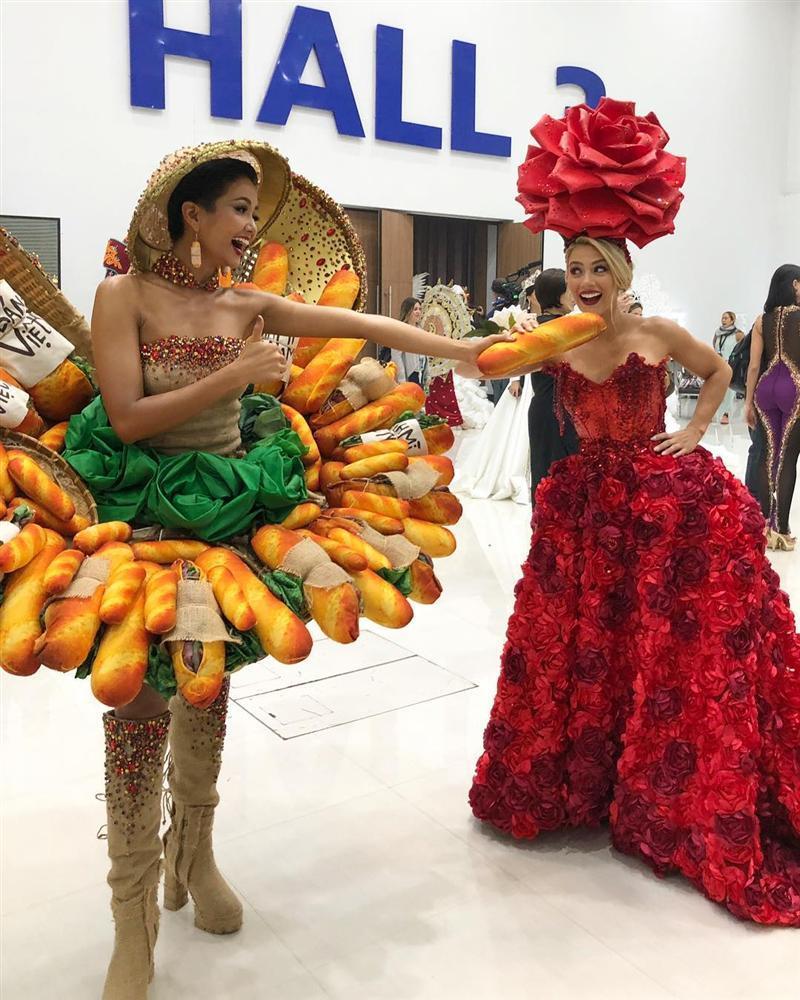 Loạt mỹ nhân Việt phản ứng người khôn, kẻ dại khi bất ngờ vướng scandal với các hoa hậu quốc tế-1