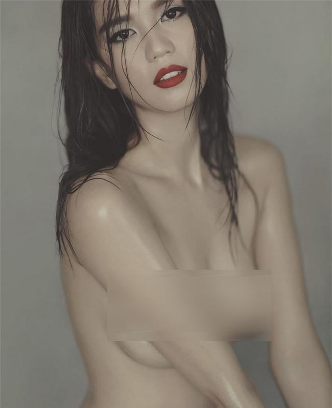 Cùng chụp hình khỏa thân nhưng mang 2 sắc thái: Ngọc Trinh trắng nõn nà - Minh Triệu khoe da nâu tuyệt đỉnh-15