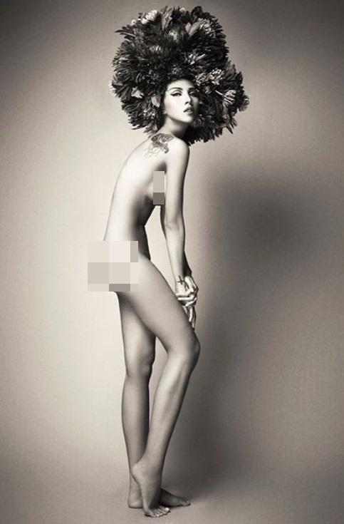 Cùng chụp hình khỏa thân nhưng mang 2 sắc thái: Ngọc Trinh trắng nõn nà - Minh Triệu khoe da nâu tuyệt đỉnh-6