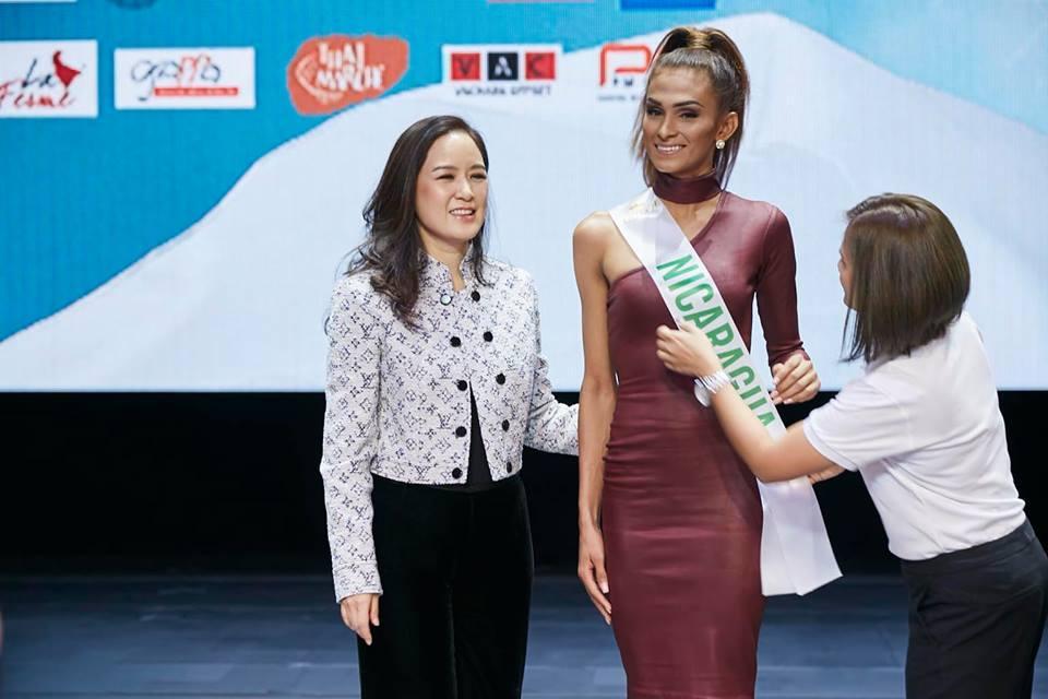 Vừa đặt chân tới Thái Lan, Nhật Hà đã xinh đẹp áp đảo dàn thí sinh Hoa hậu Chuyển giới Quốc tế 2019-10