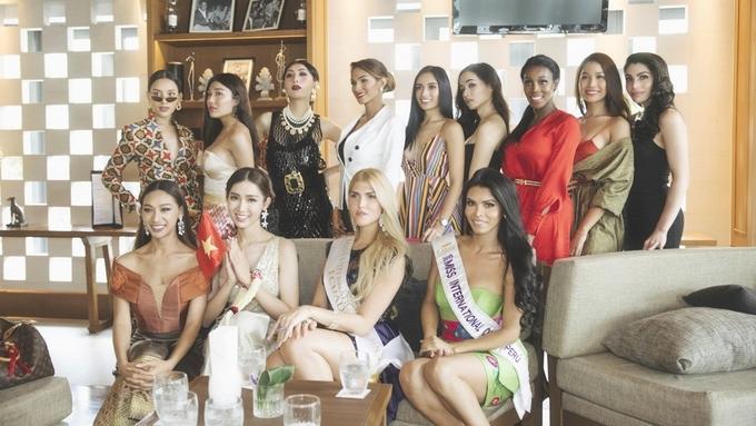 Mới rục rịch đi thi Hoa hậu Chuyển giới Quốc tế, Đỗ Nhật Hà đã chiêu đãi fan bằng những trang phục chuẩn không phải chỉnh-4