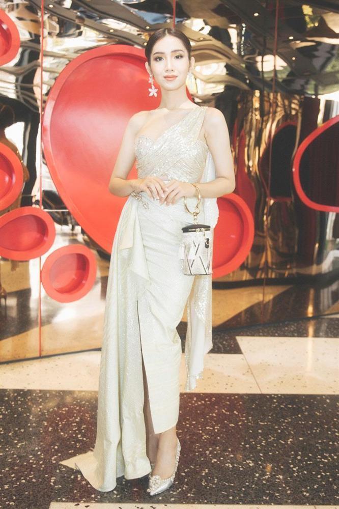 Mới rục rịch đi thi Hoa hậu Chuyển giới Quốc tế, Đỗ Nhật Hà đã chiêu đãi fan bằng những trang phục chuẩn không phải chỉnh-7