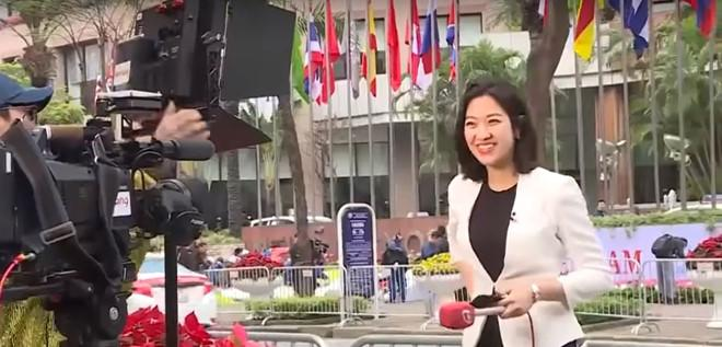Điểm danh loạt cực phẩm phóng viên đến từ Hàn Quốc đang hạ gục cư dân mạng Việt Nam-2