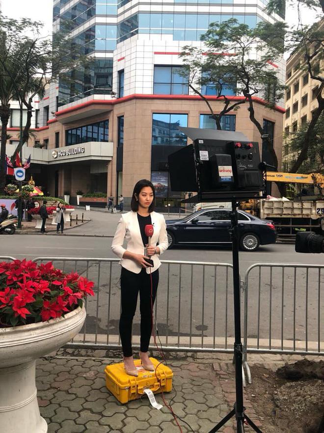 Điểm danh loạt cực phẩm phóng viên đến từ Hàn Quốc đang hạ gục cư dân mạng Việt Nam-4