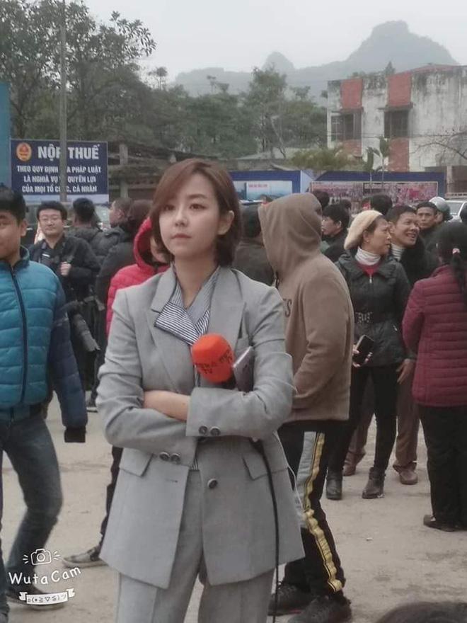 Điểm danh loạt cực phẩm phóng viên đến từ Hàn Quốc đang hạ gục cư dân mạng Việt Nam-12