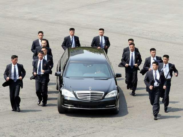 Tiết lộ những thông tin tối mật về 12 cận vệ được coi là lá chắn sống của Chủ tịch Kim Jong Un-4